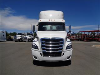2020 Freightliner Cascadia - Image 2 of 12