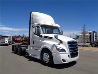 2020 Freightliner Cascadia - Image 3 of 12