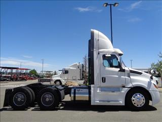 2020 Freightliner Cascadia - Image 4 of 12