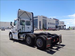 2020 Freightliner Cascadia - Image 7 of 12
