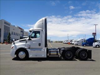 2020 Freightliner Cascadia - Image 8 of 12