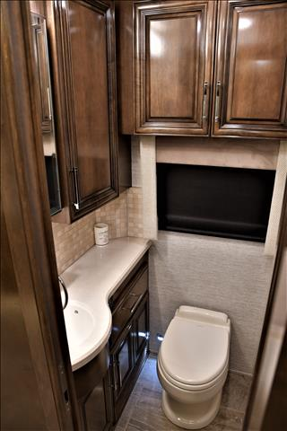 2020 Newmar Mountain Aire 4002 - Image 37 of 57