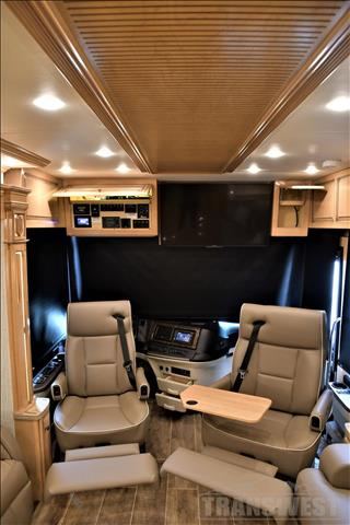 2019 Newmar Dutch Star 4054 - Image 24 of 64