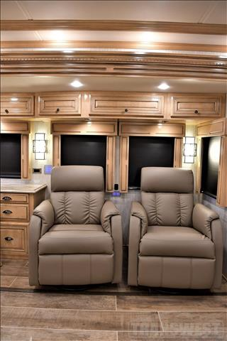 2019 Newmar Dutch Star 4054 - Image 25 of 64