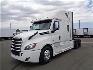 2021 Freightliner Cascadia - Image 1 of 19