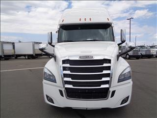 2021 Freightliner Cascadia - Image 2 of 19