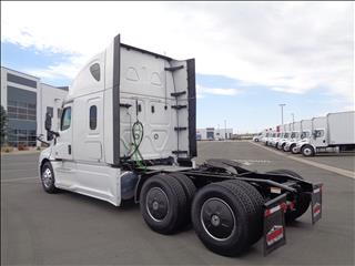 2021 Freightliner Cascadia - Image 5 of 19
