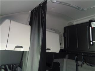 2021 Freightliner Cascadia - Image 10 of 19