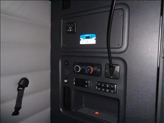 2021 Freightliner Cascadia - Image 14 of 19